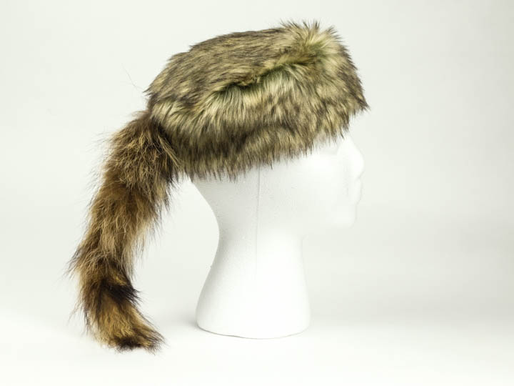 Imitation Davy Crockett Hat With Real Tail