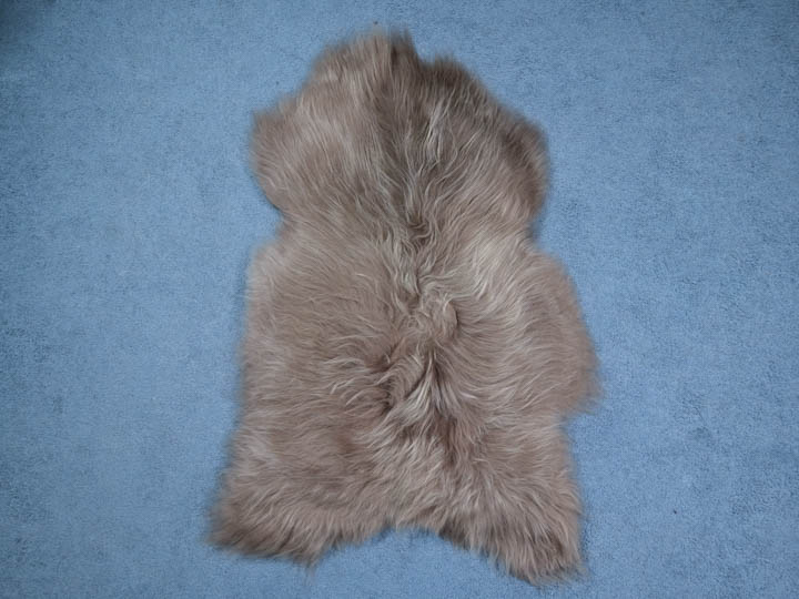 Dyed Icelandic Sheepskin: 110-120 cm: Taupe: Assorted