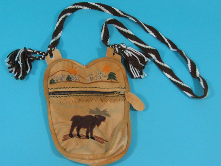 Cree Smoke Moose Bag: Gallery Item