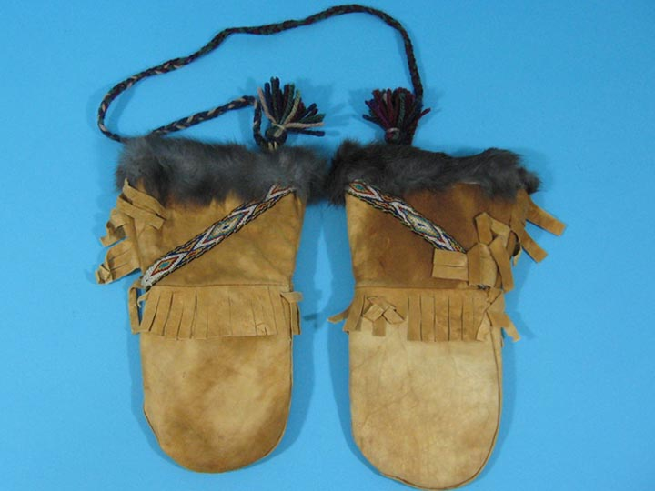 Cree Smoked Moose Gauntlets: Gallery Item