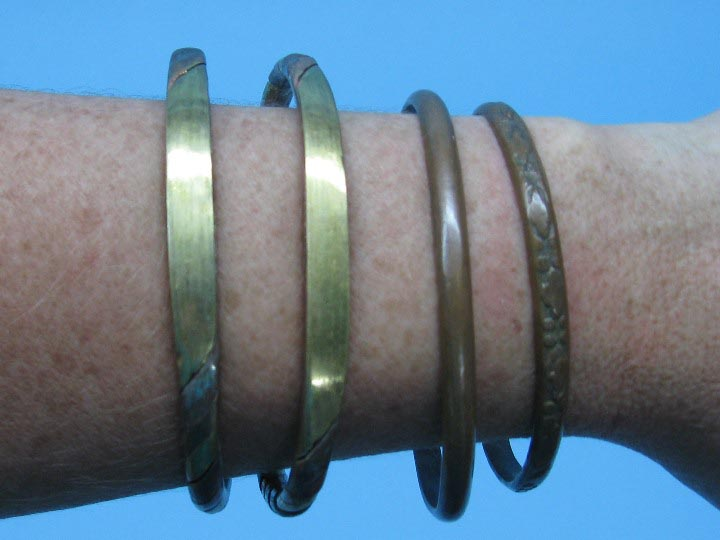Metal Bracelet: Assorted