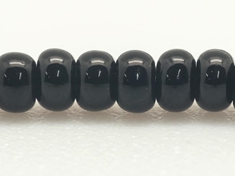 10/0 Seedbead Opaque Black (500 g bag) glass beads