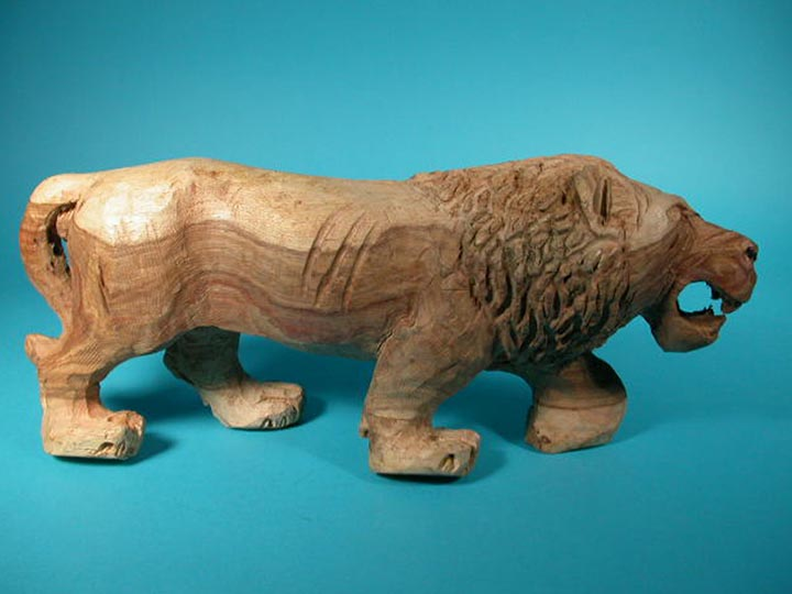 African Lion Wood Carving: Gallery Item