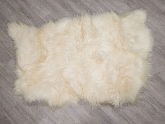 Icelandic Sheepskin Rug: ~4x6 ft: White: Gallery item