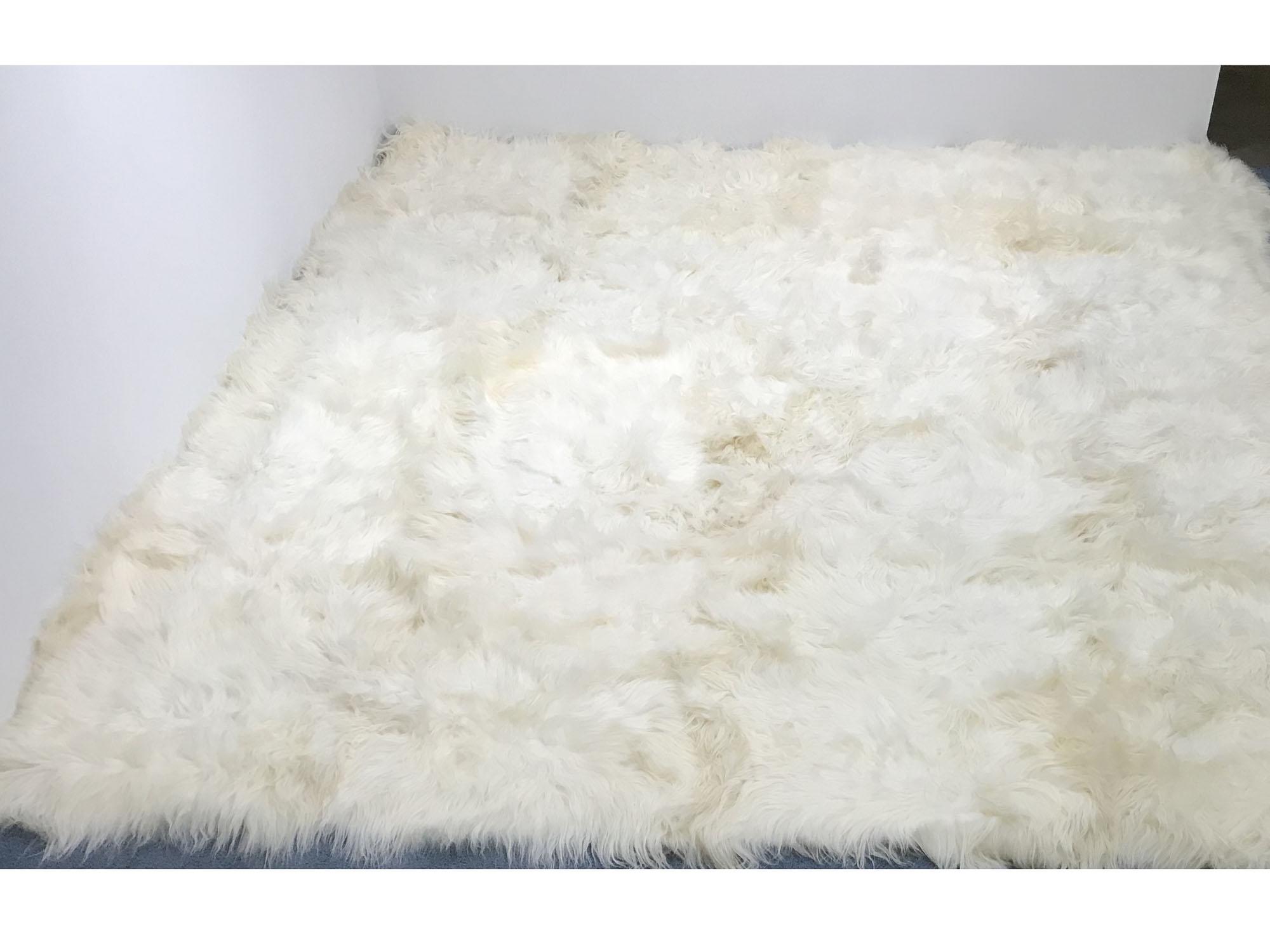 Icelandic Sheepskin Rug 12x12 Ft